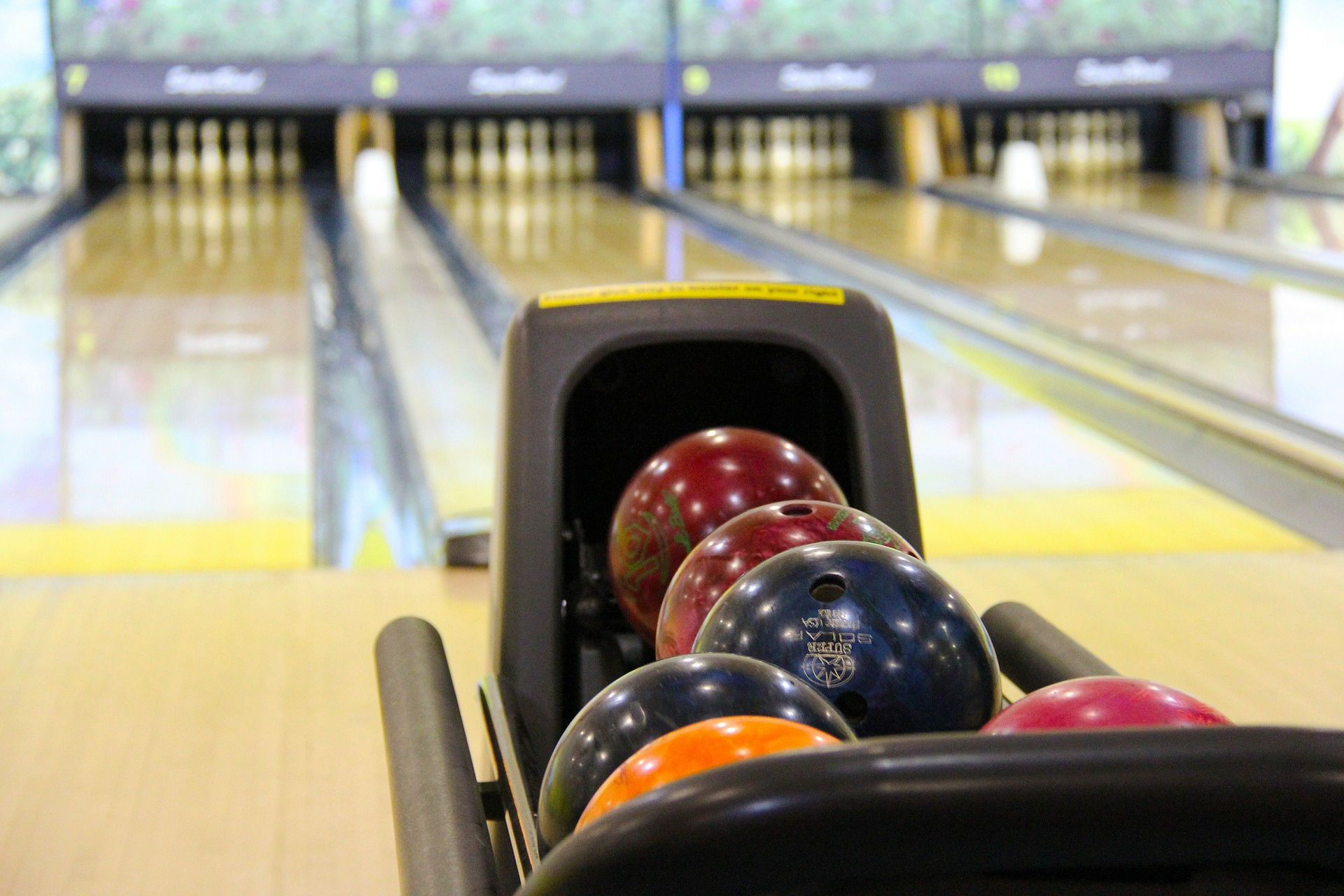 bowling-237905_1920.jpg