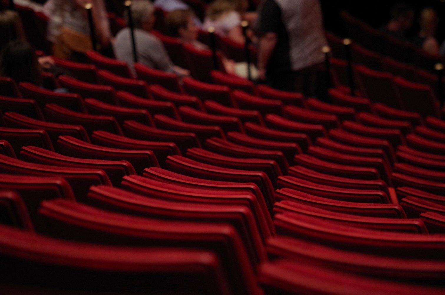 theater-1477670_1920
